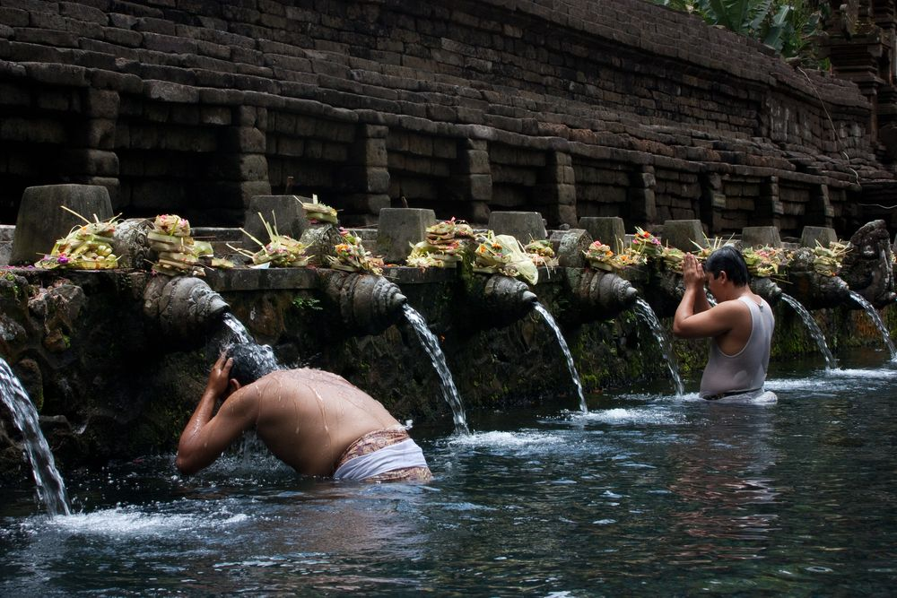 Tirta Empul holy bath - temple of water