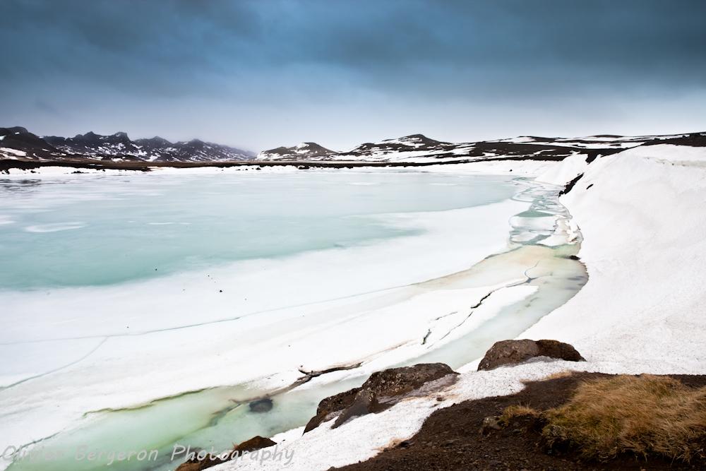 Graenavatn lake - iceland