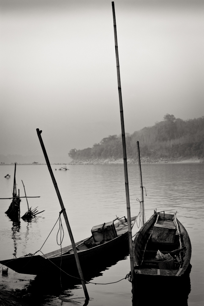 Laos-Boat-on-Mekong-1000px-8426