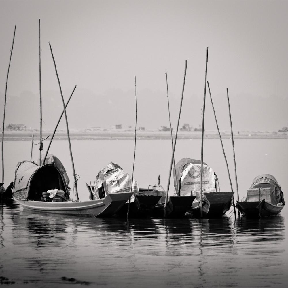 Laos-Boats-on-Mekong-bateaux-1000px-8428