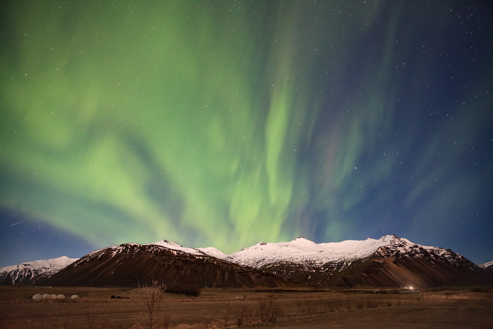 northern lights - hofn -iceland - mountain landscape - オーロラ - アイスランド