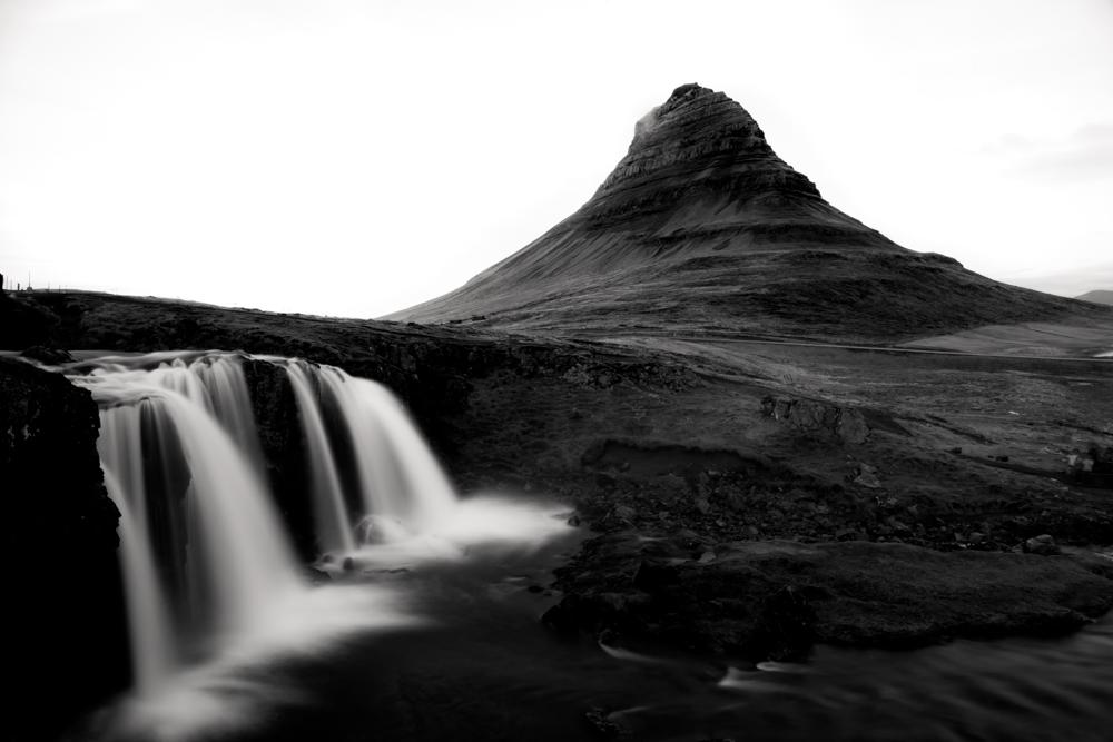 kirkjufell mountain - iceland